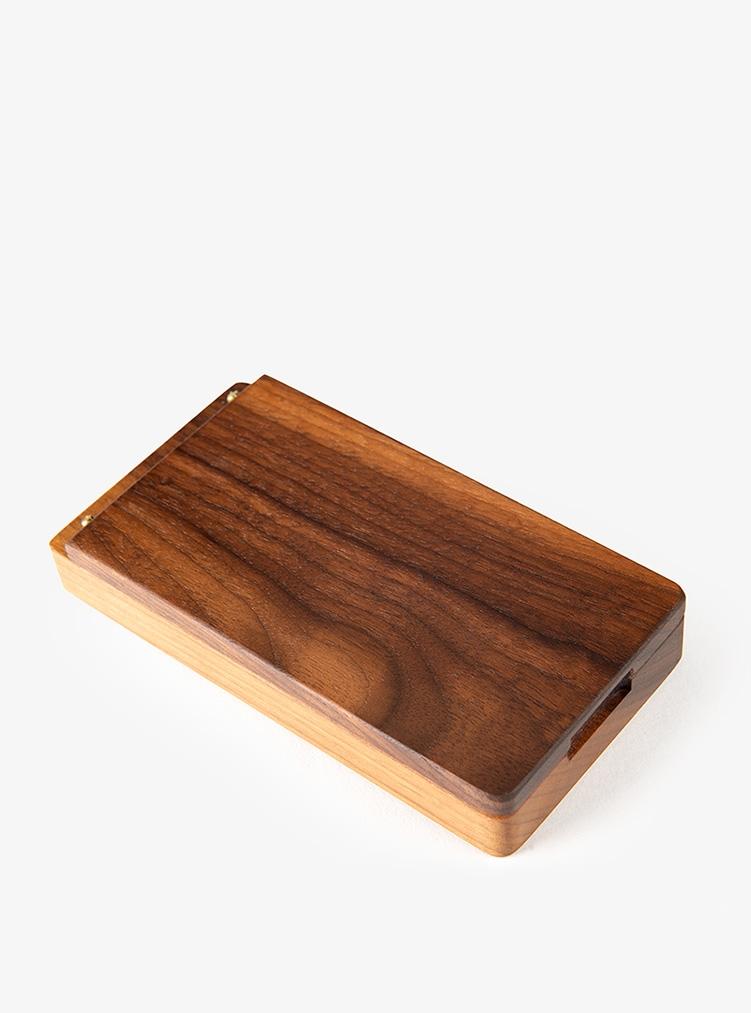 Holzschachtel für Taschenuhr mit Uhrkette